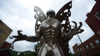 There Has Been Another Creepy Mothman Encounter At Chicago's O'Hare International Airport