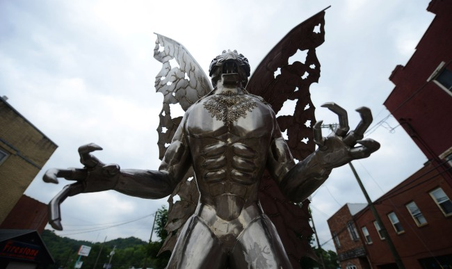 Another Mothman Encounter At Chicagos OHare International Airport