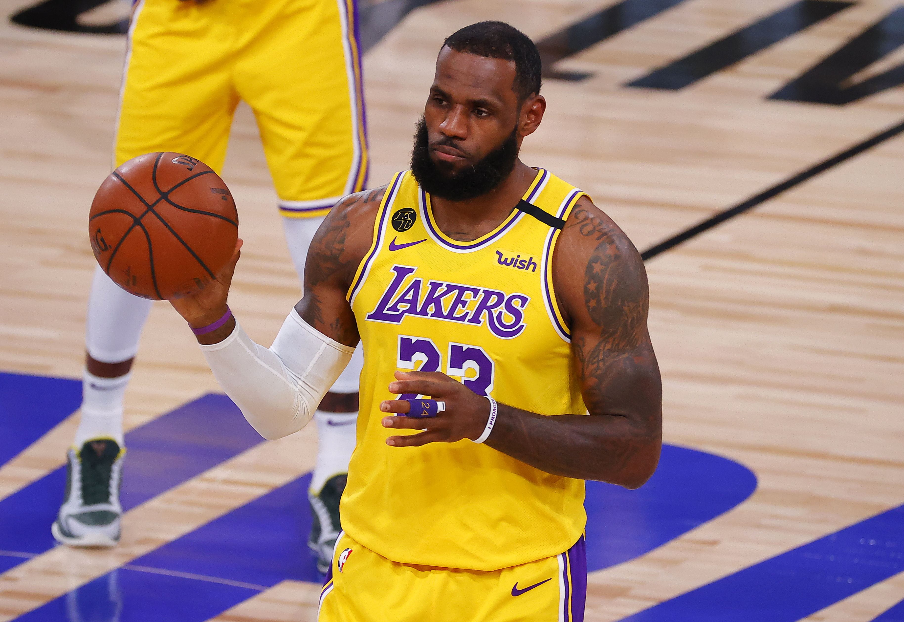 lebron was not happy with how his lakers teammates