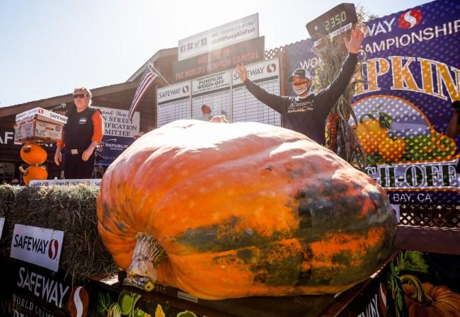 2,350 pound pumpkin record