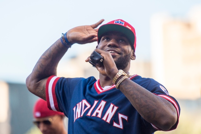 LeBron James gets roasted for switching baseball teams yet again