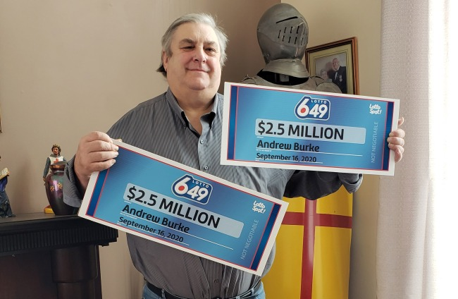 Guy Buys Identical Lottery Tickets Splits 3 Million With Himself