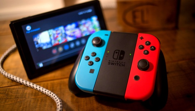 Kid And His Mom Suing Nintendo For 5 Million Over Switch Controllers