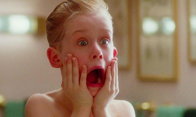 Macaulay Culkin Wearing A Home Alone Face Mask Wins The Pandemic