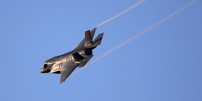 Marine Pilot Ejects From His F-35B Jet Before It Crashes Video
