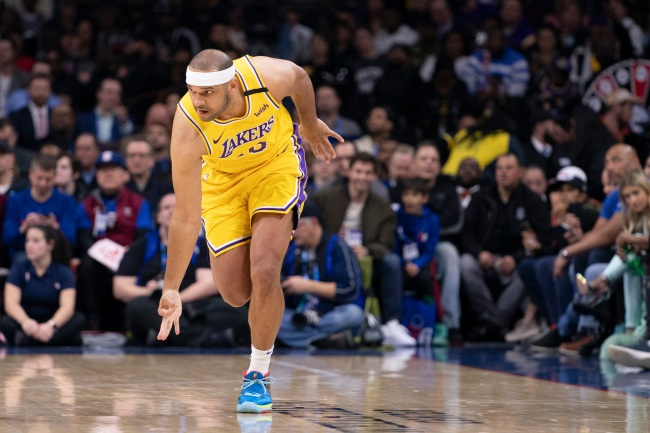 Lakers' Jared Dudley takes one last shot at the Clippers blowing a 3-1 series lead in the playoffs by admitting he and his teammates laughed after it happened