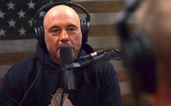 Joe Rogan talks about Comedy Store ban after he confronted comedian Carlos Mencia over joke stealing in Showtime documentary.