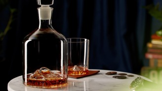 Elevate Your Home Bar With This Mountainous Whiskey Peaks Decanter + Whiskey Glass Set
