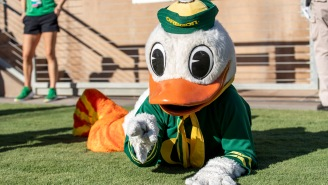 Oregon's Duck Mascot Can't Be In The Stadium, Continues His Touchdown Pushups From A Distance