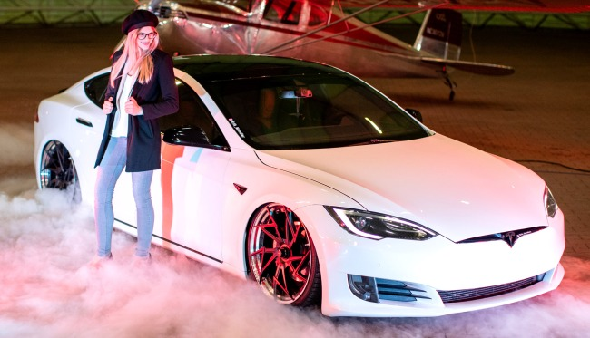 Wanna See The Roof Fly Off A Tesla? Because Here's A Roof Flying Off A Tesla… Again