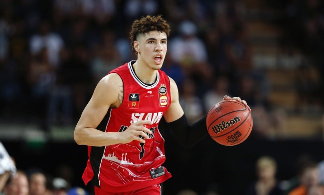 Lonzo Ball Issues Warning To Brother LaMelo In Advance Of Their First Meeting In The NBA