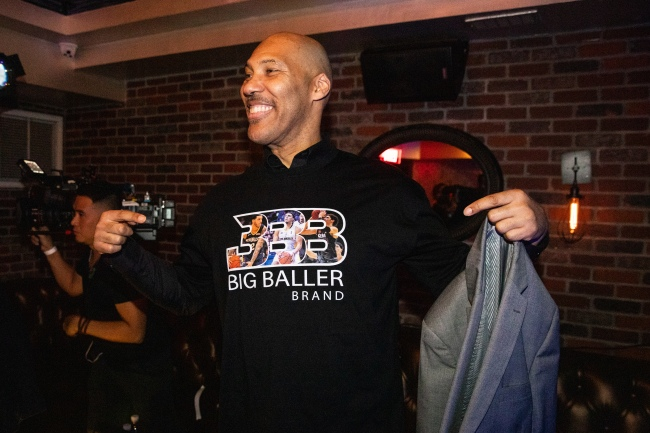 LaVar Ball says he wants to play Michael Jordan one-on-one on Pay-Per-View in order to get paid