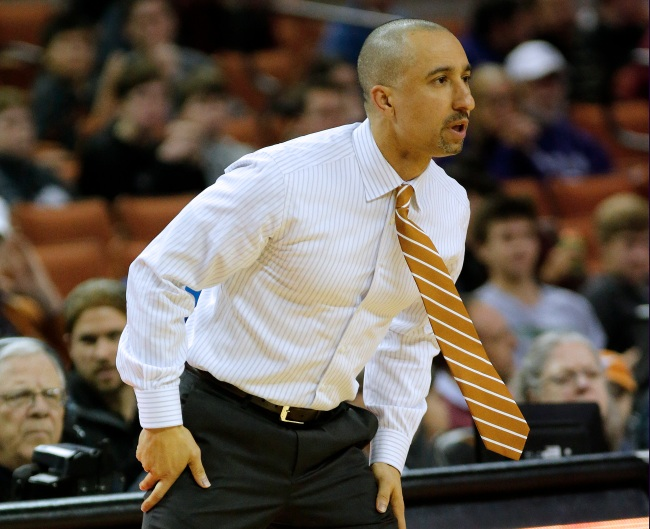 College basketball fans are shocked after seeing Shaka Smart's new hairdo
