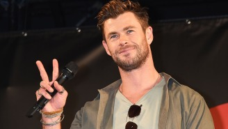 Chris Hemsworth Pays 'D-ckhead' Ryan Reynolds Back For His Mom's Fantasy Football Trash Talk