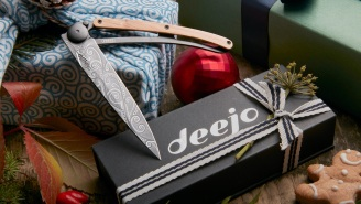 Avoid Generic Gift-Giving This Holiday Season With A Fully Customizable Present From Deejo Knives