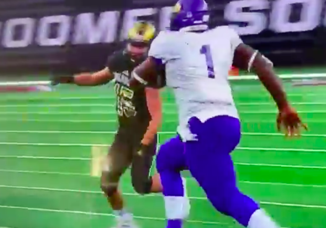 Friday Night Tykes Star Doug Brooks Is A Full Fledged Bulldozer Now Who Just Humiliated Fools In Texas State Title Game Brobible