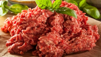 Wisconsin Health Officials Had To Remind People Eating Raw Ground Beef Is A Bad Idea Due To A Bizarre Christmas Traditon