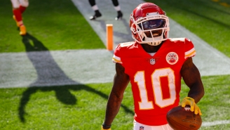Very Fast Man Tyreek Hill Sets Unfathomable Rules For 100-Yard Race With Very Slow Man Adam Schefter