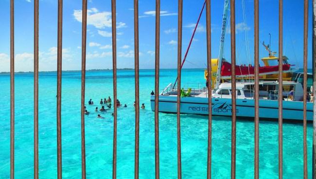 18-Year-Old American Girl Imprisoned Quarantine Cayman Islands Freed
