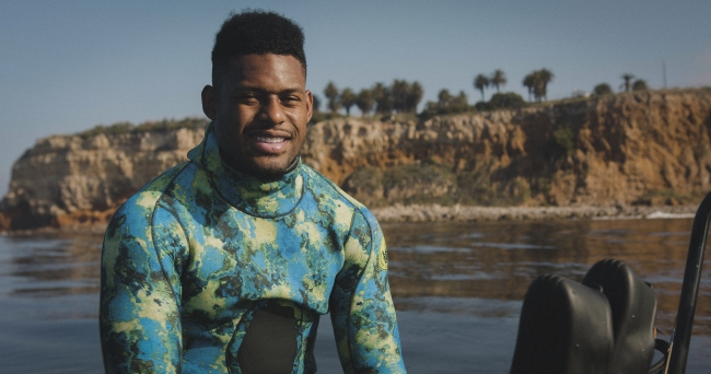 JuJu Smith-Schuster Went Spearfishing With Dylan Efron On The Latest Episode Of 'Flow State'