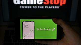 Google Deletes 100k Negative One-Star Ratings On Robinhood App Store Page Amid Meme Stock Restriction Backlash