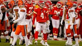 Chiefs Fans Couldn't Stop Making Bad Chad Henne Puns After Playoff Win Vs Browns