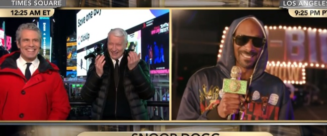 Drunk Anderson Cooper Was Giggling Like A Maniac During 'Have You Gotten High' Segment With Snoop Dogg On CNN NYE Show