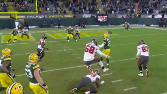 NFL Fans Question Aaron Rodgers For Not Running The Ball In For A TD During Crucial 3rd-And-Goal