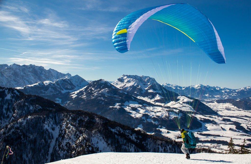 paragliding alps