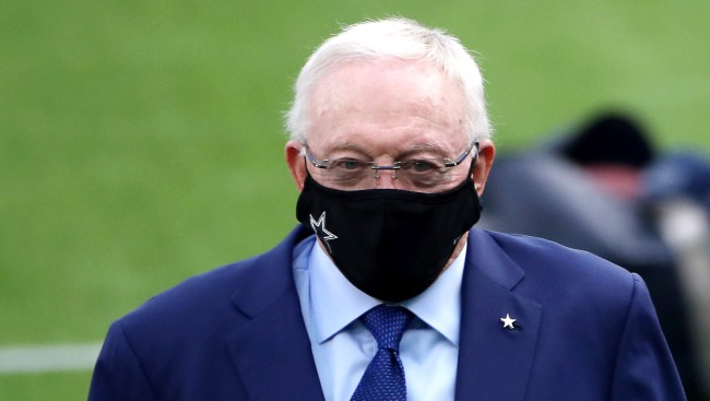 Chiefs Fan Runs Into Jerry Jones Buying Cheap Wine At A 7-Eleven