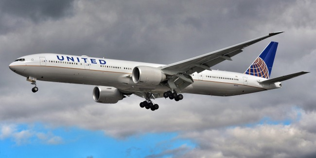 Doorbell Camera Films Jet Debris From United Flight 328 Hitting Ground