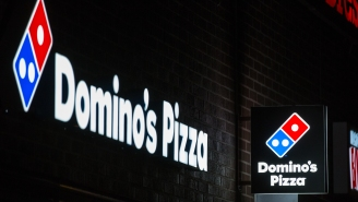Video Shows Domino's Pizza Delivery Driver Having Meltdown After Not Getting Tipped Despite Standing In The Rain For Five Minutes