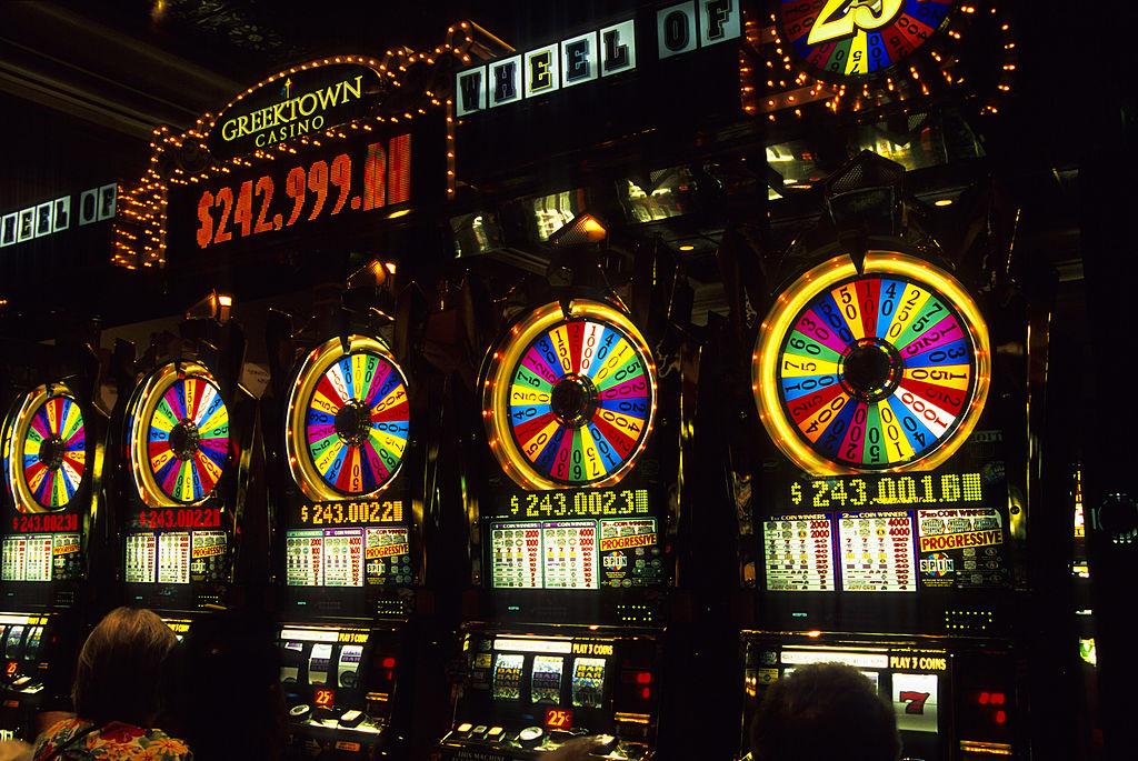 Woman hits huge slot jackpot, celebrates way too quietly