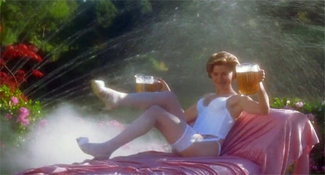 On the 25th anniversary of Adam Sandler's Happy Gilmore, actress Julie Bowen, who played Gilmore's love interest Virginia Venit, talks about the golf comedy classic.