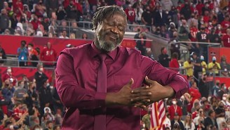 ASL Performer Warren 'Wawa' Snipe Was The Highlight Of The Super Bowl With His Signing Of The National Anthem