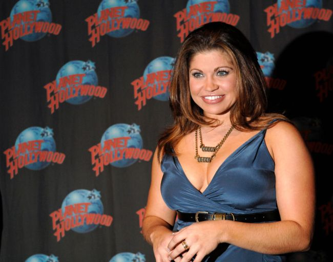 Internet reactions to Danielle Fishel AKA Topanga being married to man who complained about shrimp in his box of Cinnamon Toast Crunch cereal with shrimp