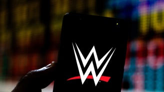 Former WWE Star Recalls Being Forced To Apologize For Checking His Phone At The Wrong Time