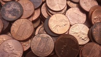 Disgruntled Boss Delivered 500 Pounds Of Greasy Pennies At Midnight As Employee's Final Paycheck (Video)