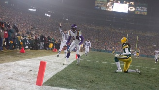 Randy Moss Tells The Full Story Of Fake Mooning Fans At Lambeau And Everything That Led To The 'Disgusting Act'