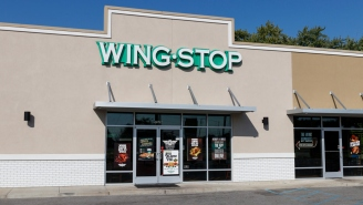Wingstop Customer Lost His Mind And Threw The Cash Register Through A Window Over Some $12 Wings
