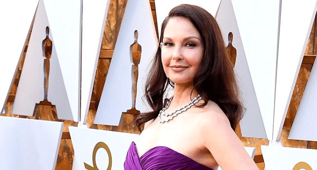 Ashley Judd Shares Grisly Photos Video Of Life Threatening Leg Injury