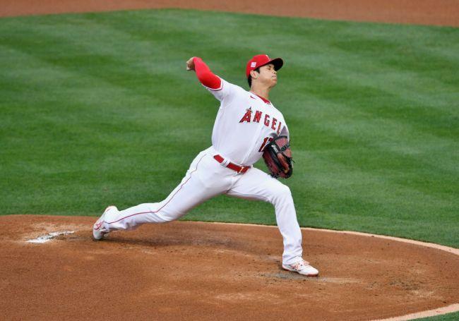 Shohei Ohtani Pitching Hitting Two-Way Baseball Los Angeles Angels