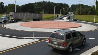 Chaos Immediately Ensues After Northeast Kentucky Town Installs Its First Roundabout And The Video Is Hilarious