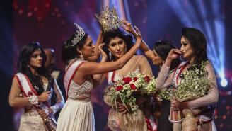 Mrs. Sri Lanka Injured When Mrs. World Snatches The Crown From Her Head After Winning
