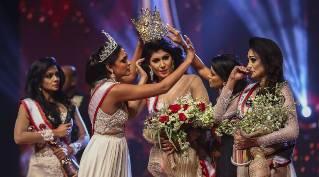 Mrs Sri Lanka Says She Was Injured When Mrs World Snatched Her Crown