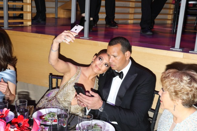 Former MLB slugger Alex Rodriguez reportedly not giving up on trying to win back Jennifer Lopez after recent breakup