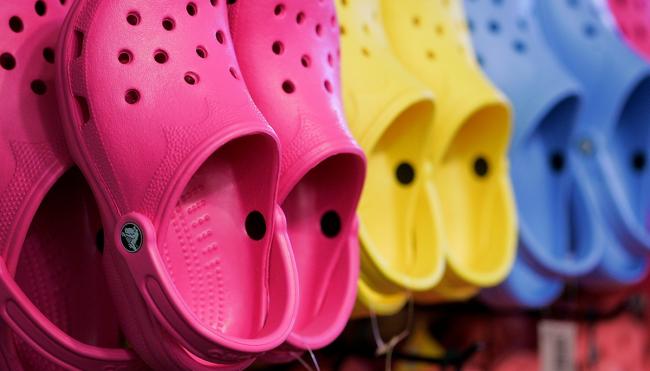 crocs shoes comeback 2021