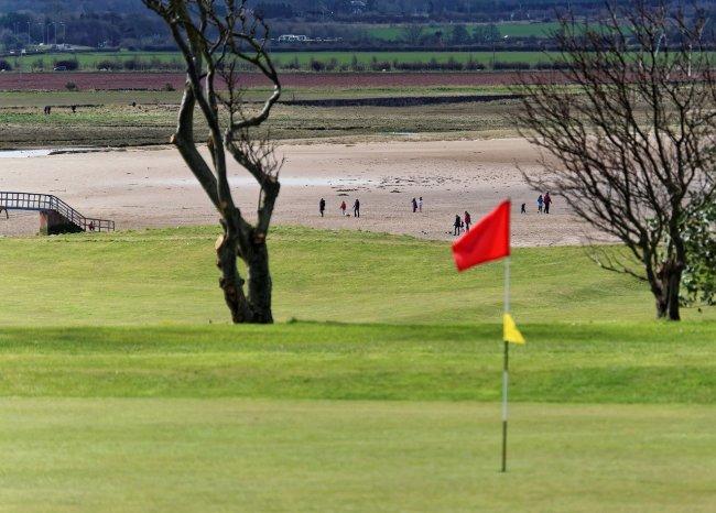 golf course fight shirtless flagstick