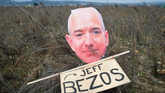 Jeff Bezos Hired A Bunch Of Trolls To Do His Dirty Work To Fight Against Amazon Critics On Twitter