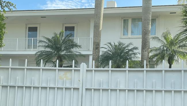 jeffrey epstein palm beach mansion demolished